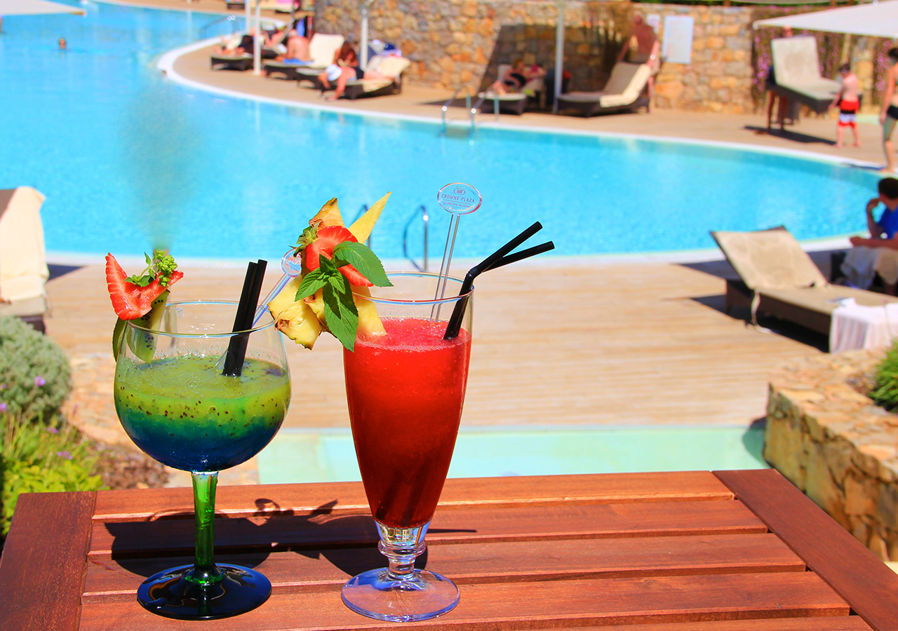 Restaurantes & Bares - 	Pool Bar
