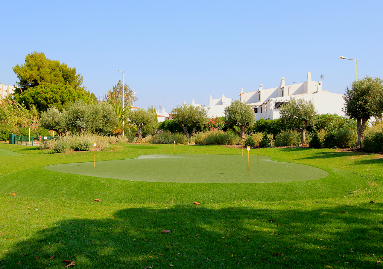 Exteriores - 	Putting Green