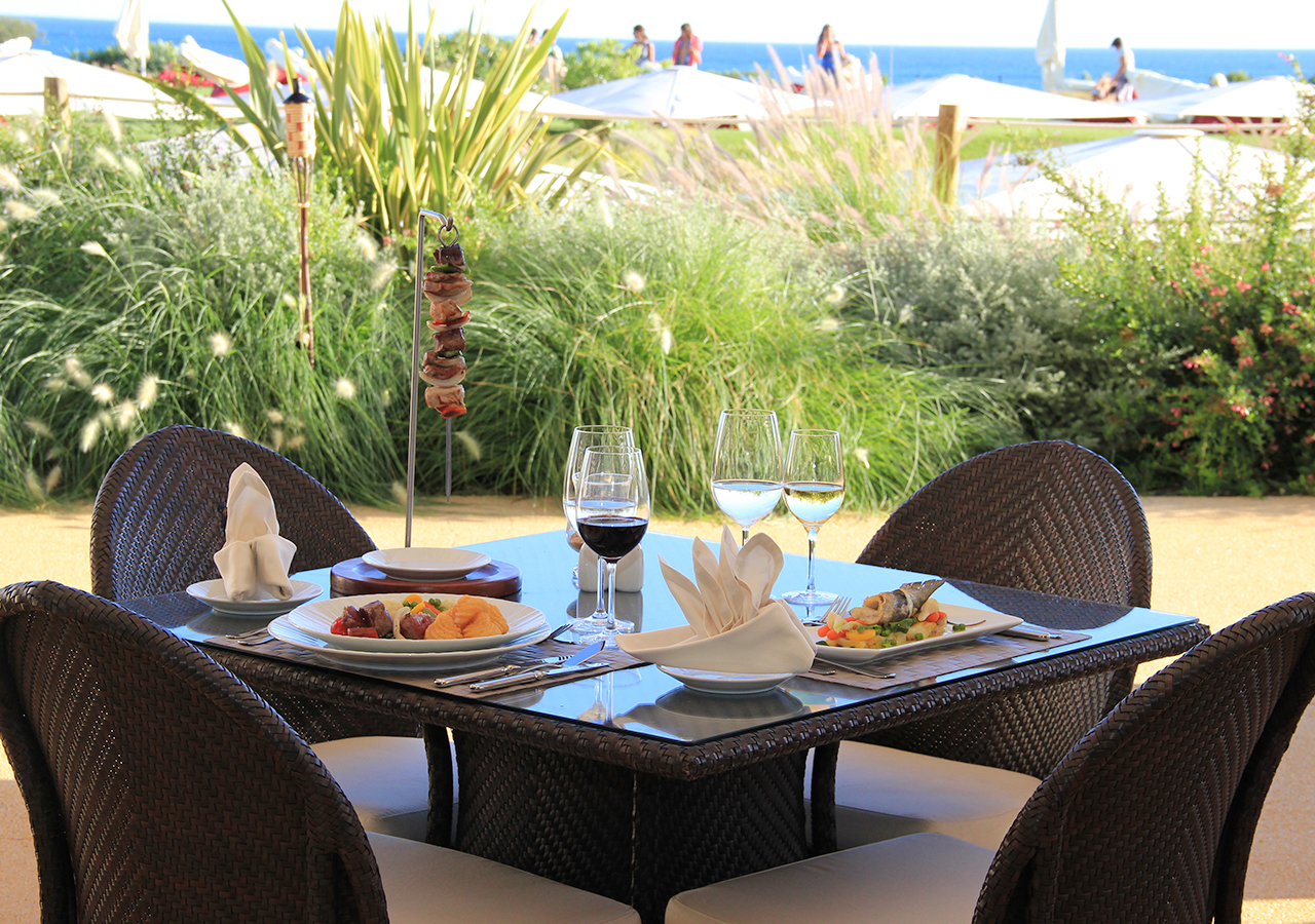 Restaurants & Bars - 	Restaurante Caravela Sea Front