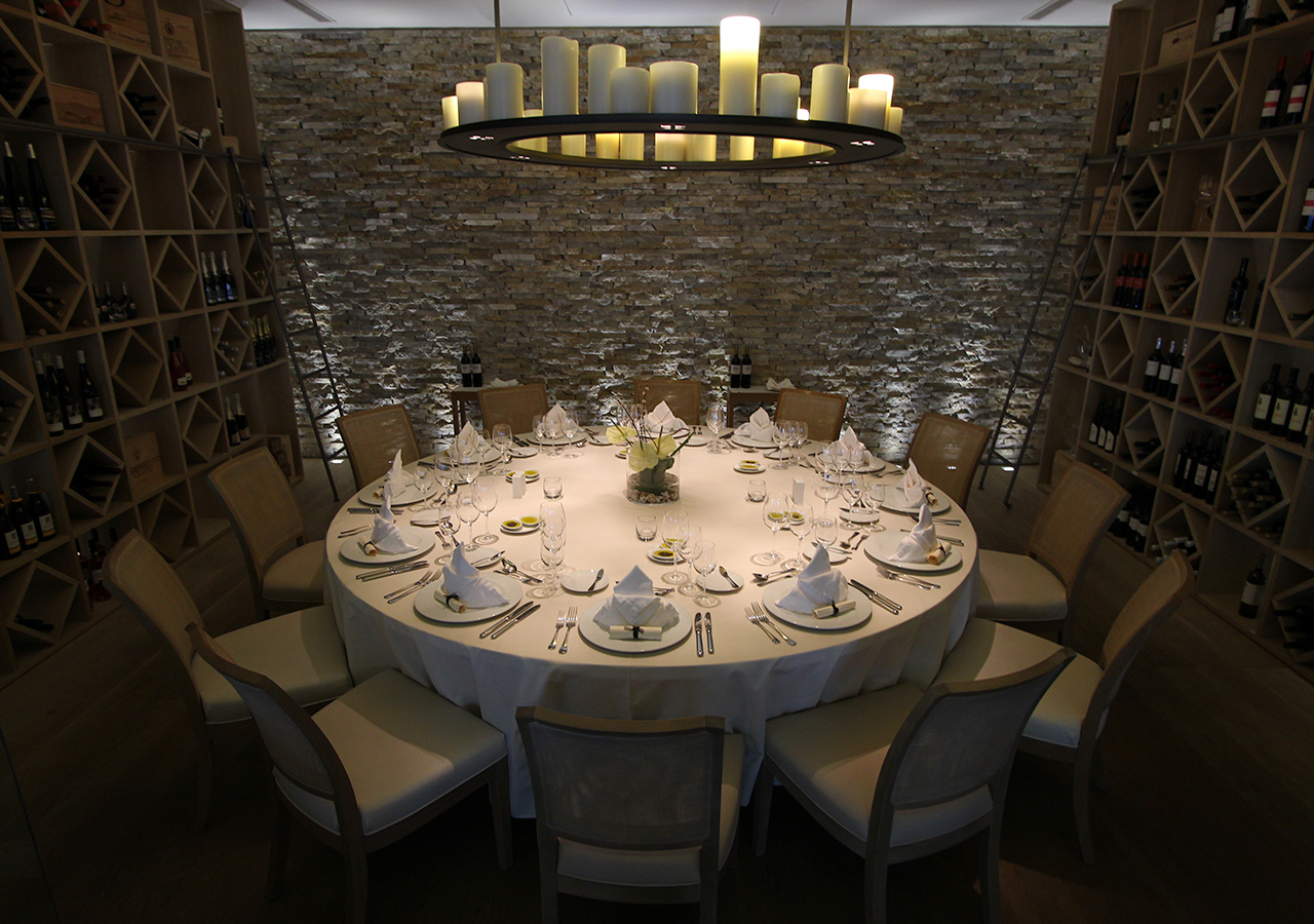 Meetings & Events - 	Jantar Wine Cellar